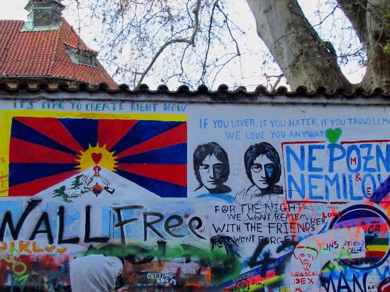 Prague mur de J Lennon