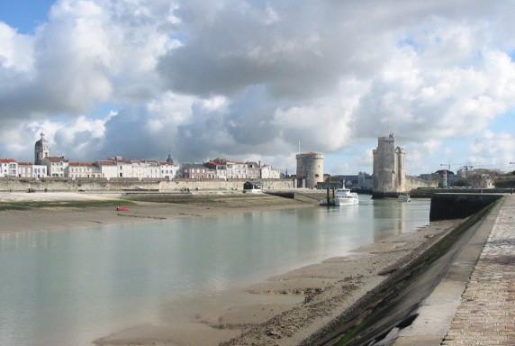 023 La Rochelle arrivee sur vieux port