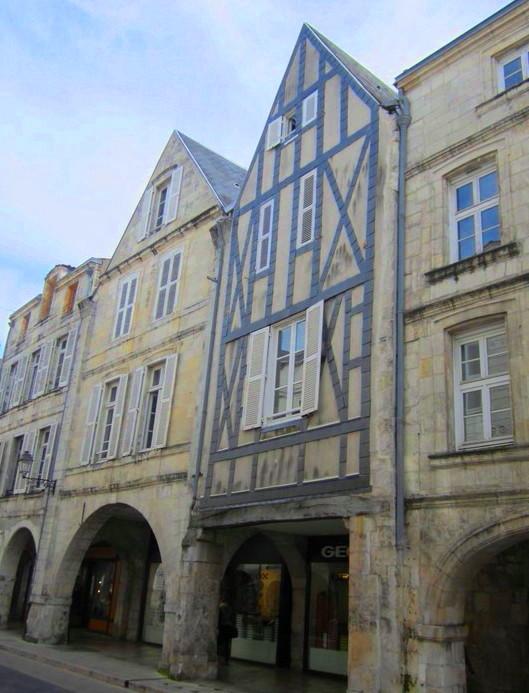 026 La Rochelle rue des merciers
